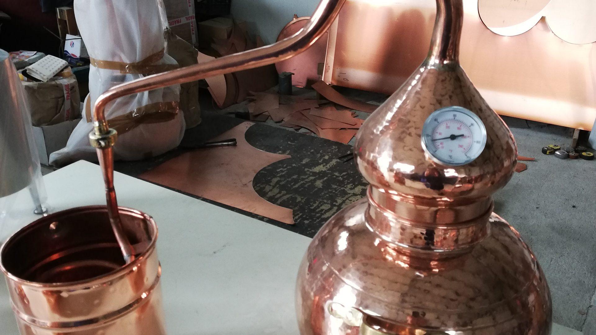 A tradição de trabalhar o cobre